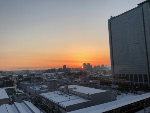 客室から見える朝日