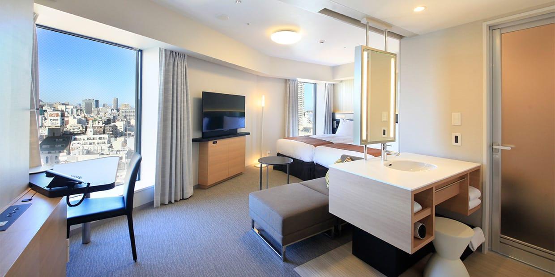 Corner Triple Room