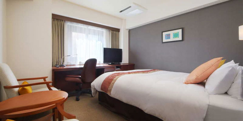 Double Room B (Main Floor)